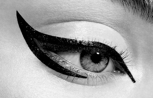 eye-eyeliner-fashion-makeup-wing-winged-eyeliner-Favim.com-108010_large
