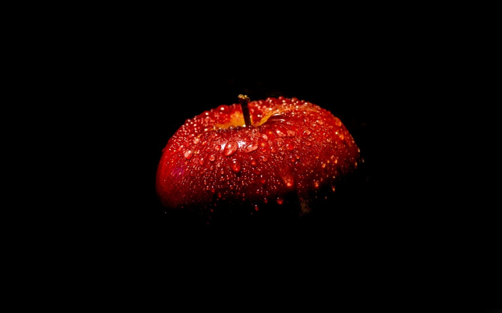 Red-apple-black-background_1920x1200